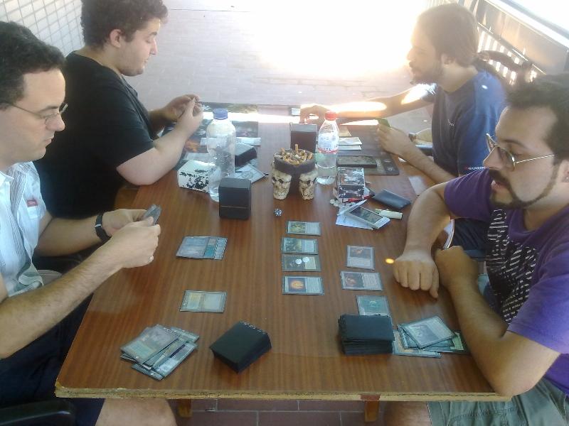 mesa-jugadores-torneo-vintage-granada